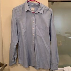 Gap Shrunken Boyfriend button down blue shirt